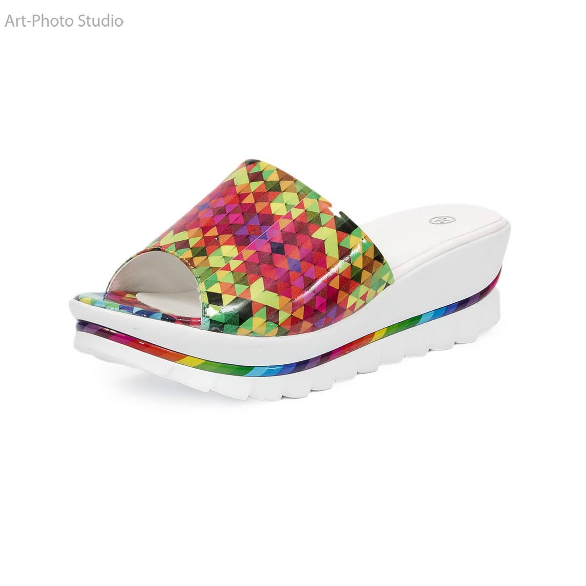 предметная съемка обуви белого цвета для каталогов