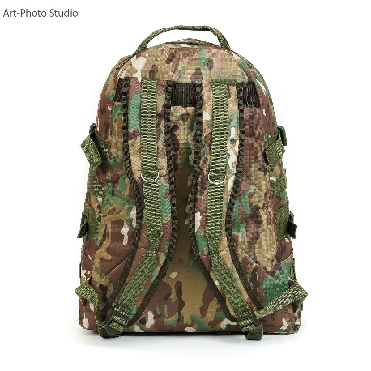 предметное фото тактического армейского рюкзака цвета мультикам