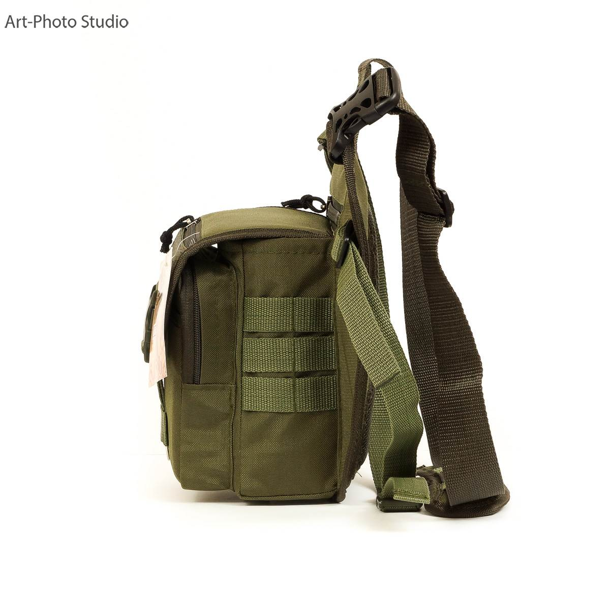 предметное фото тактической сумки цвета олива