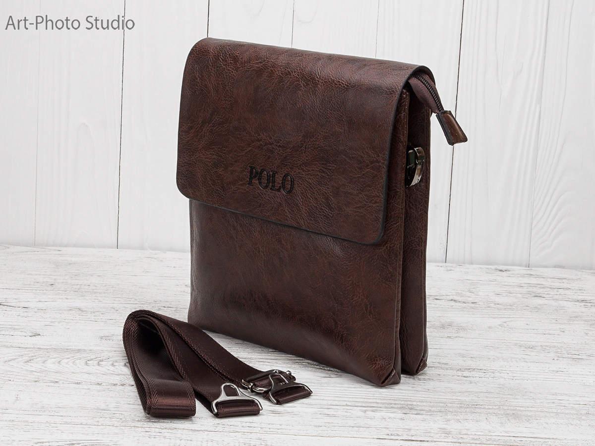 фото сумки для мужчин POLO на деревянном фоне