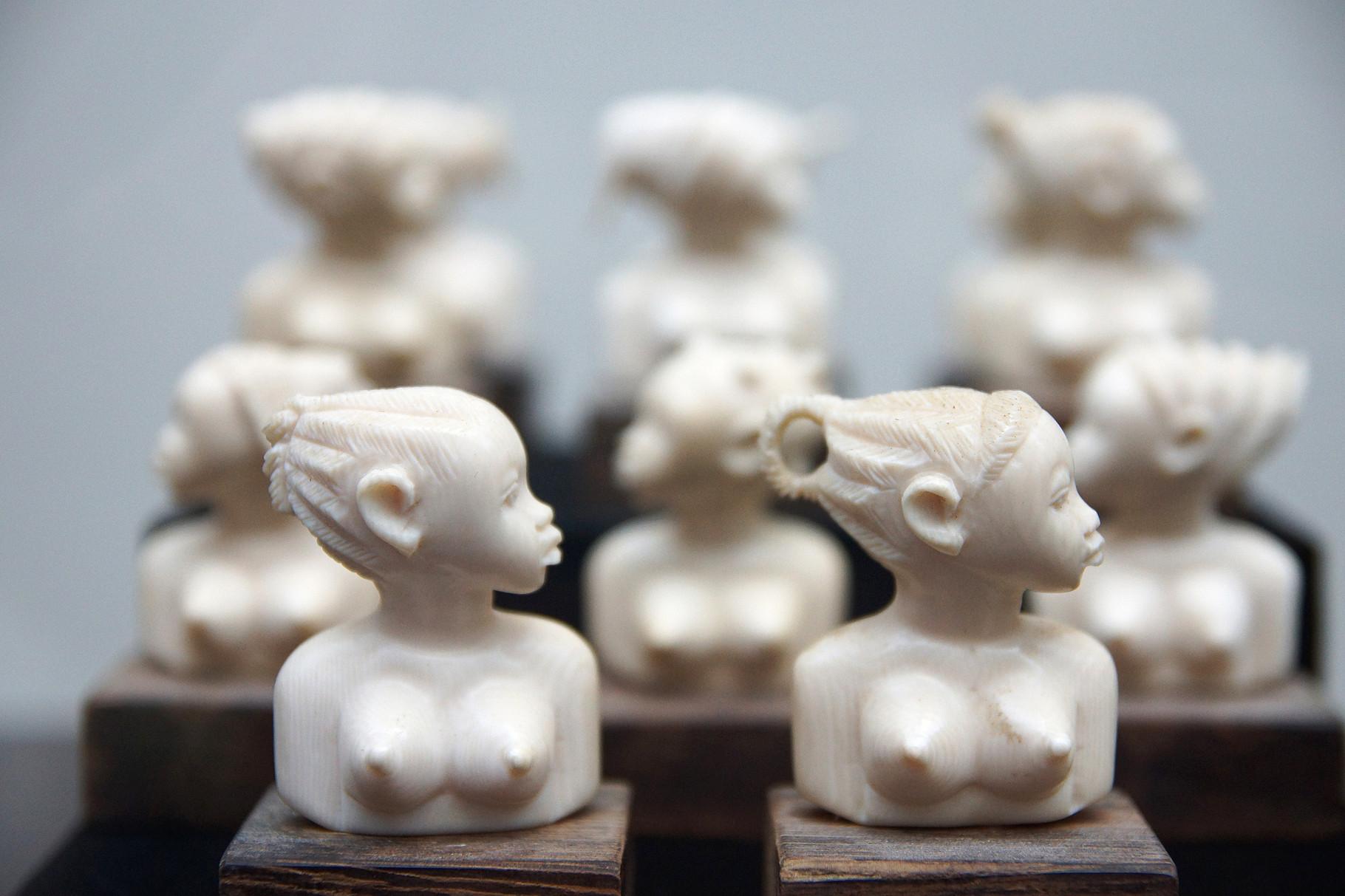 предметная фотосъемка - африканские статуетки