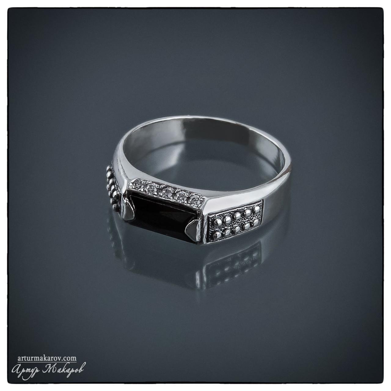 предметная фотография - серебряное кольцо