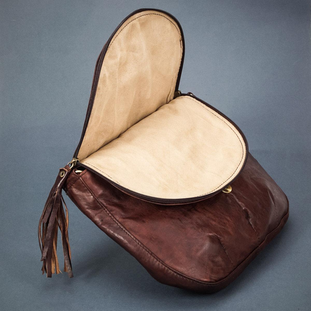 каталожное фото женской сумочки из натуральной кожи
