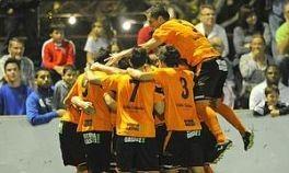 Los jugadores del Alavés celebran el gol de Viguera. Foto: El Correo.