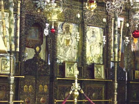Porte royale et grandes icônes de l'iconostase.