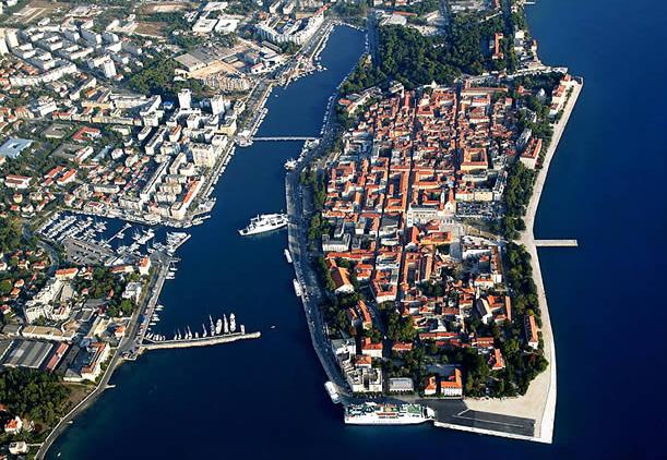 Altstadt von Zadar. Links im Bild: Die Start-Marina