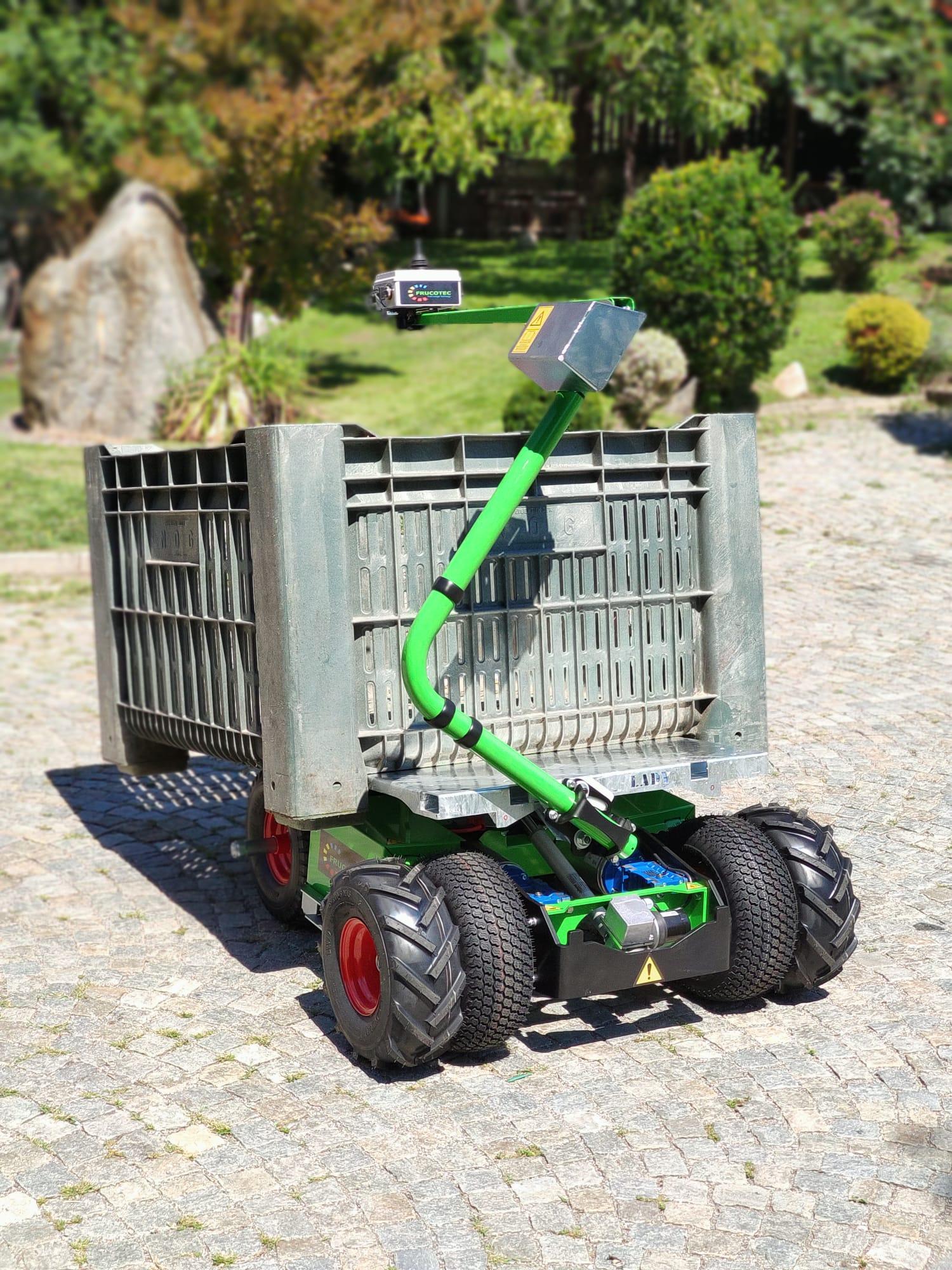 Erntewagen mit Doppelbereifung für Gelände