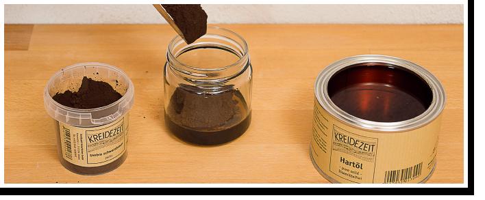 Das Beispiel zeigt Hartöl pure solid, lösemittelfrei 375 ml mit 75g Umbra schwarzbraun.