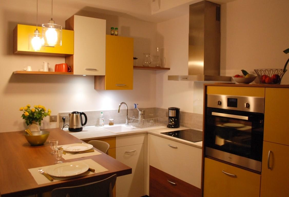 Une belle cuisine intégrée Mobalpa [Premium quality layout and decor.]