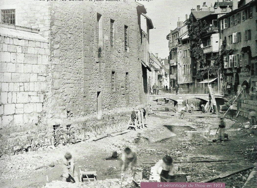 Assainissement du canal du Thiou   (Annecy Mémoire 1860-1918)