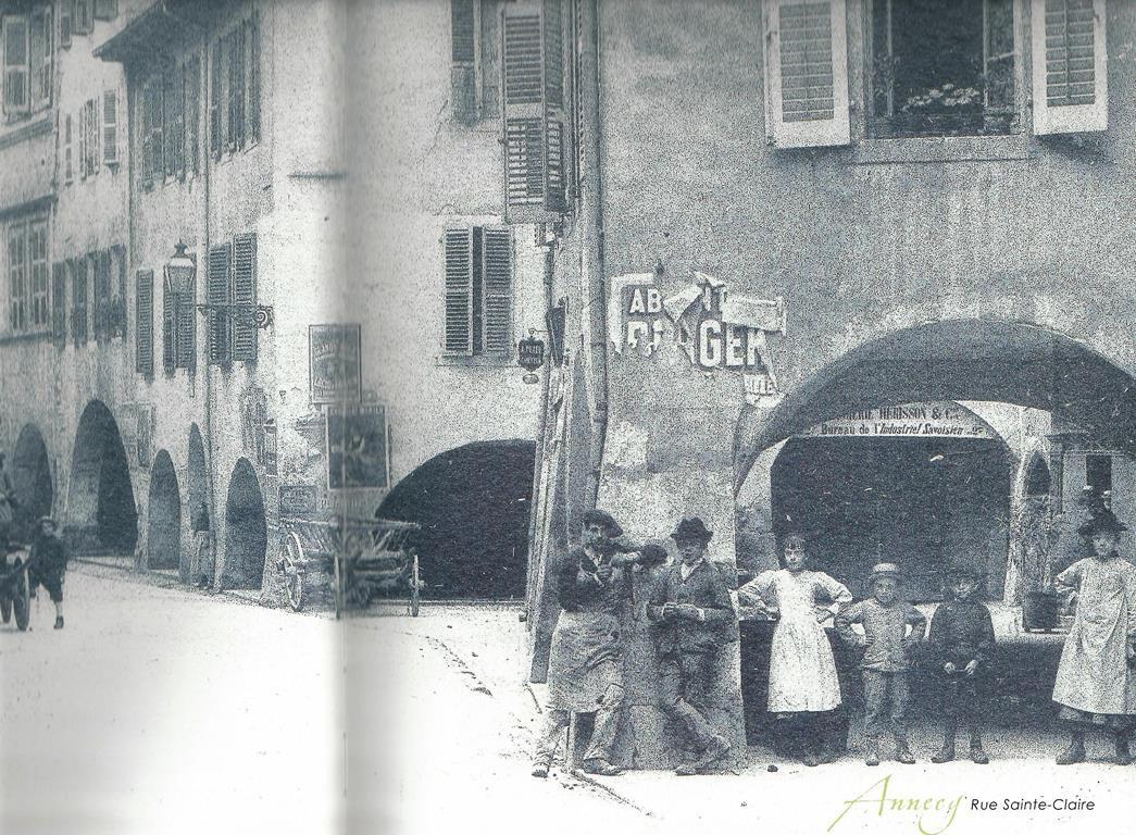Au 2bis rue Sainte Claire !   (Annecy Mémoire 1860-1918)
