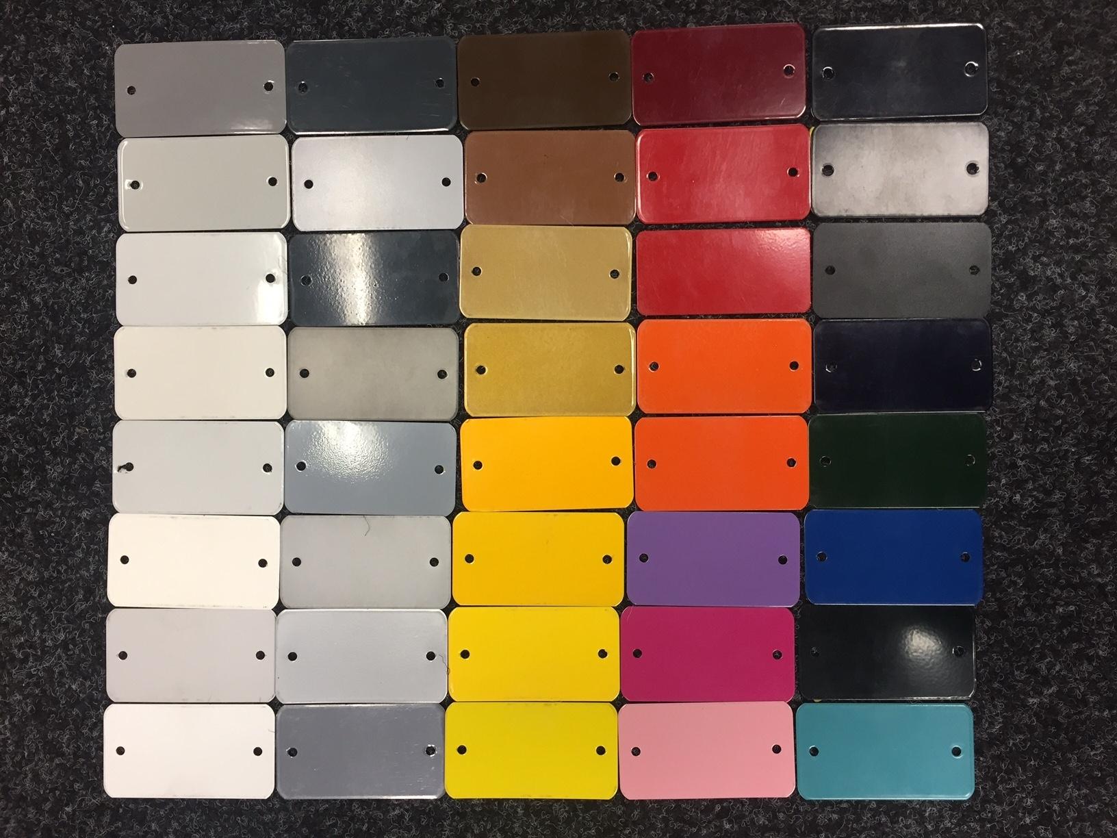 Kleuren die nu leverbaar zijn in Glans of mat.