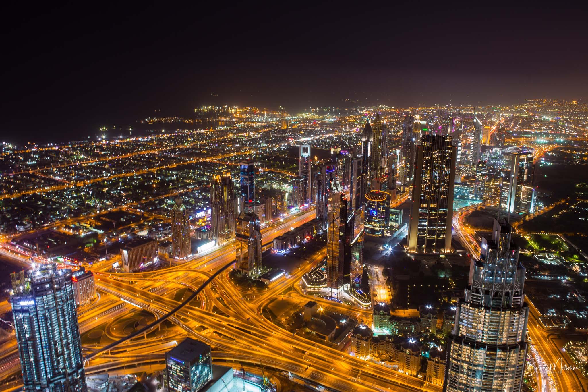 Ausblick vom Aussichtspunkt Burj Khalifa am Abend