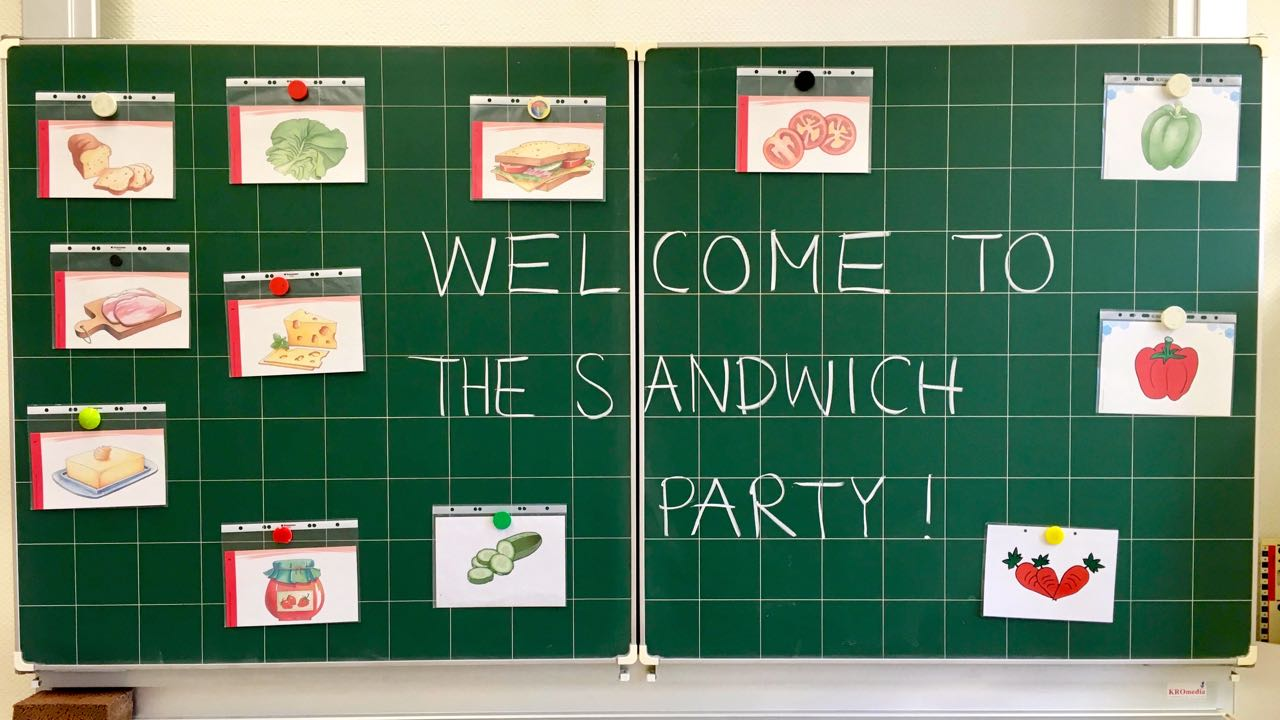 Today the children of class 2b had a sandwich party.