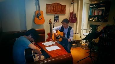 初めて触るギター教室 ミュージックバー ハートランド