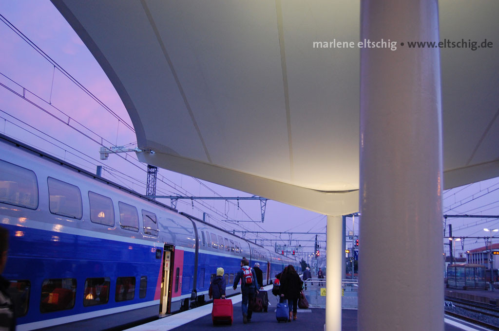 Bahnhof im Morgenlicht | Train station in morning light