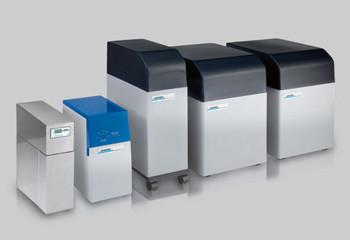 RO水生成装置 : 左からRomatikXS・150・160・210・420