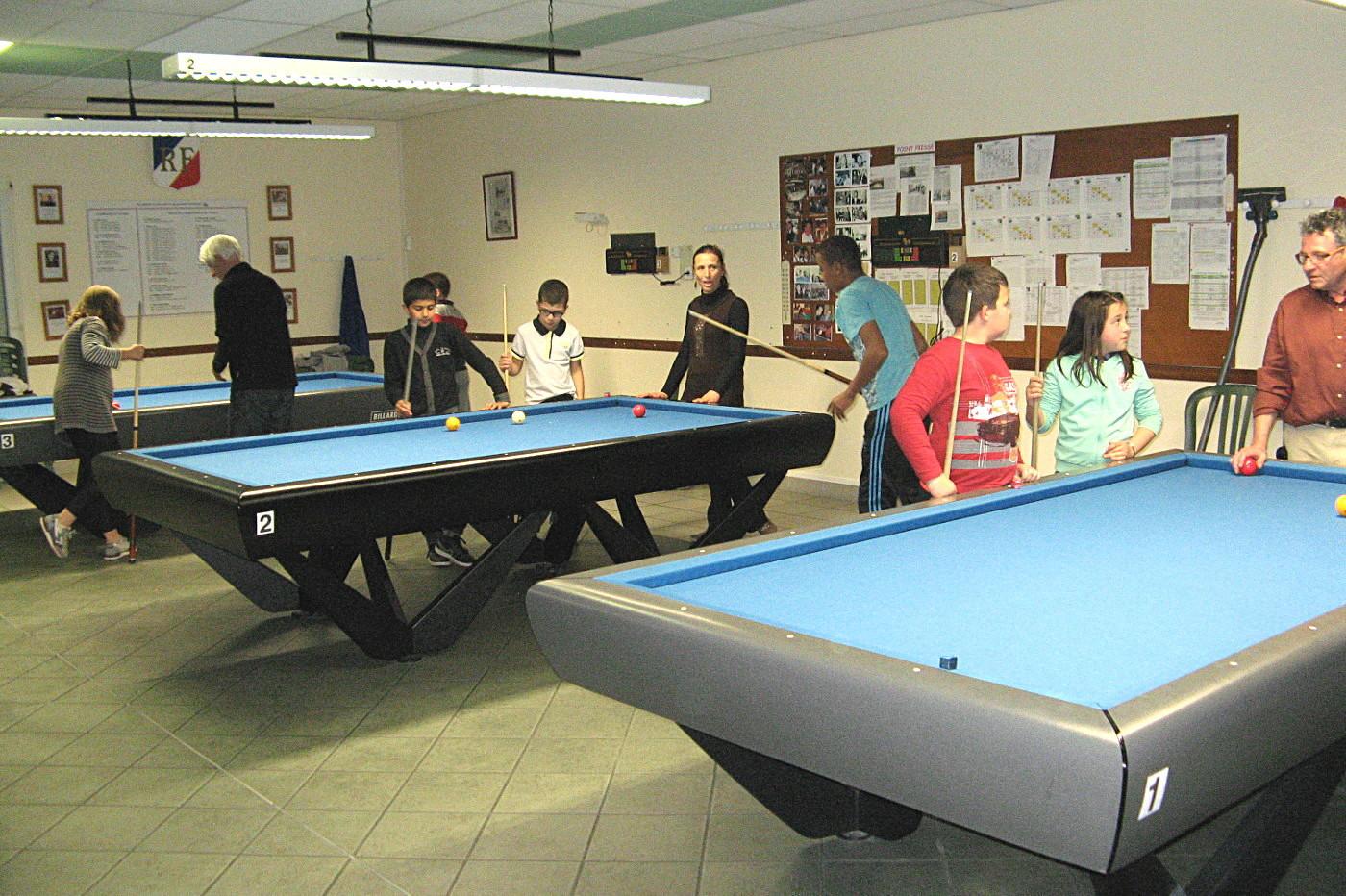 Dans la nlle salle le 12.03.2014, initiations  de jeunes du centre de loisirs St-Go