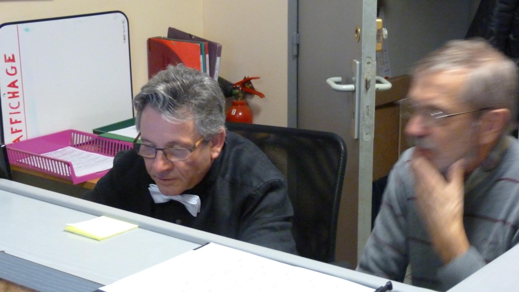 Le secrétariat en action, avec le pilotage d'une caméra video