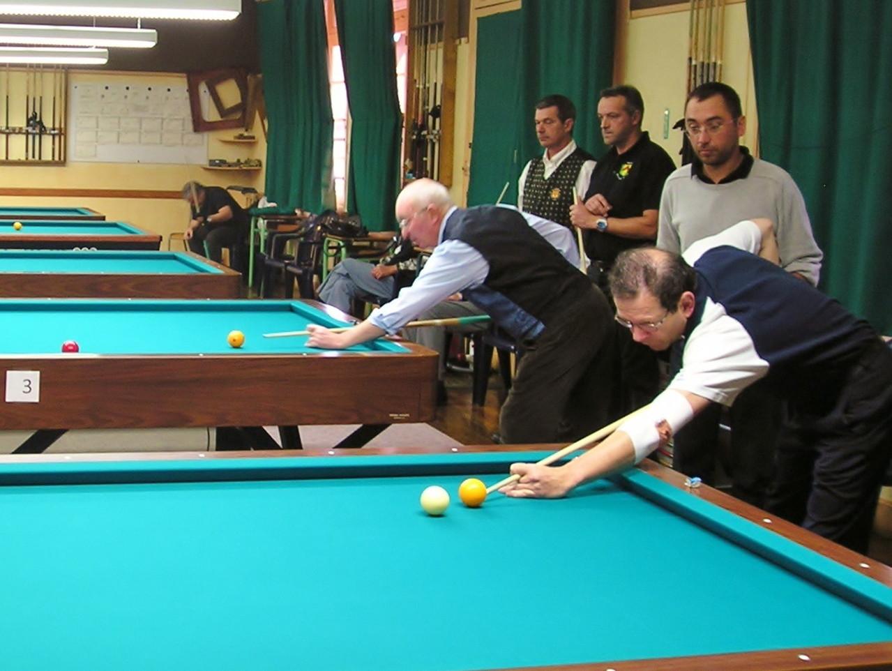 Des joueurs et des arbitres concentrés