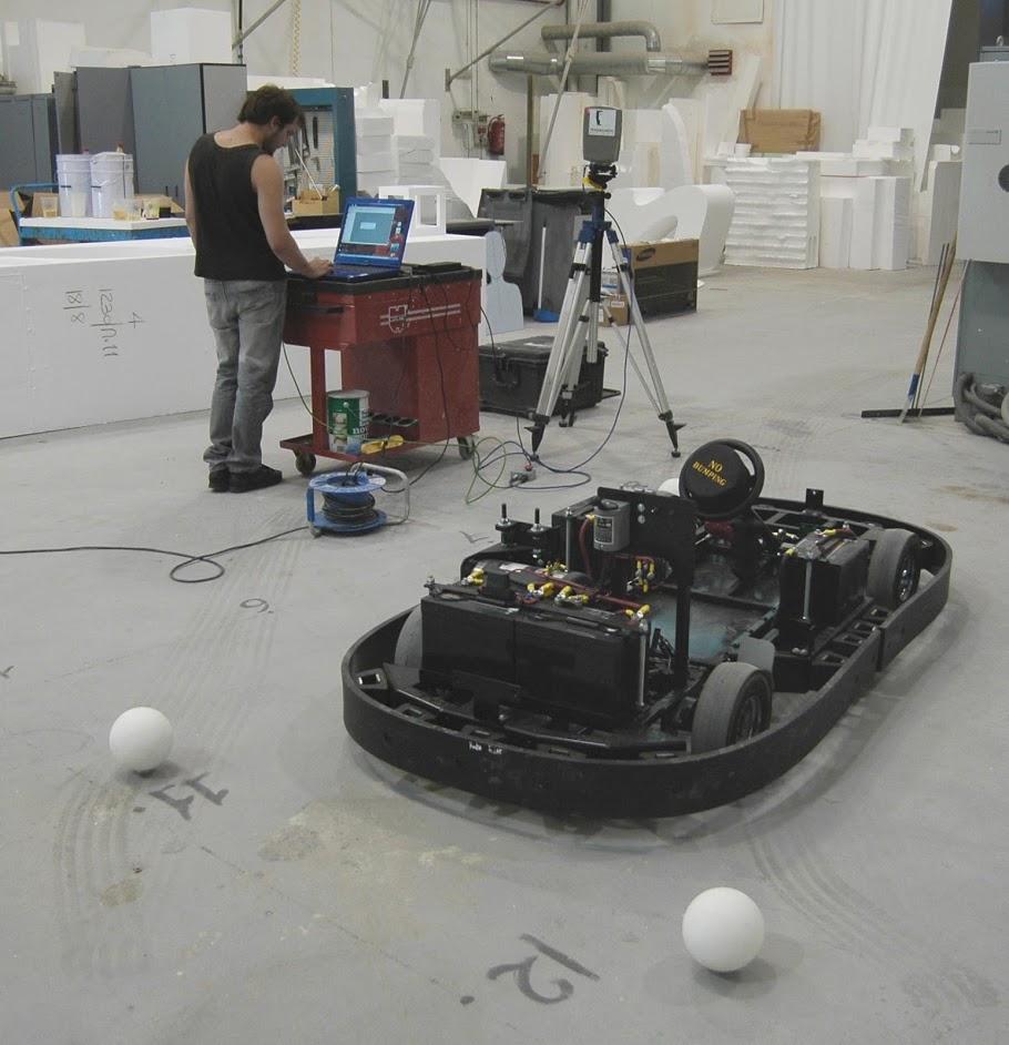Scan 3D de una plataforma motríz, coche electrico, con el fin de fabricar una carrocería adecuada.