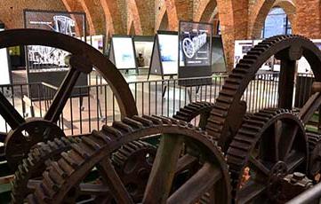 Ficticio de Maquina de Watt 1850, en la Ferrería de San Blas, Museo de  Sabero