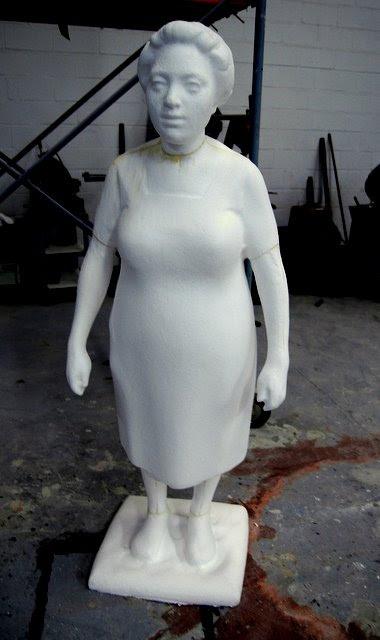 Mujer. Ampliación de una escultura.