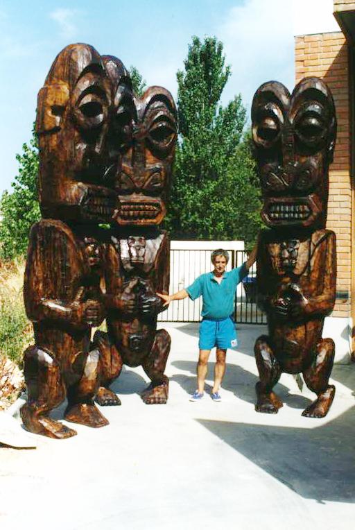 Imitación de madera tropical, sobre escultura de poliespan