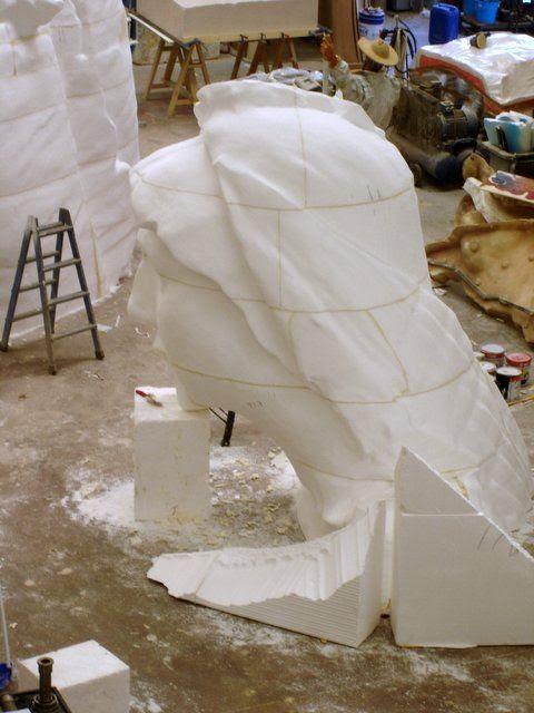 Cabeza de Virgen, ampliación monumental.