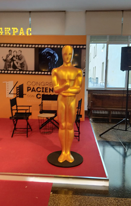 Oscar decorando un evento