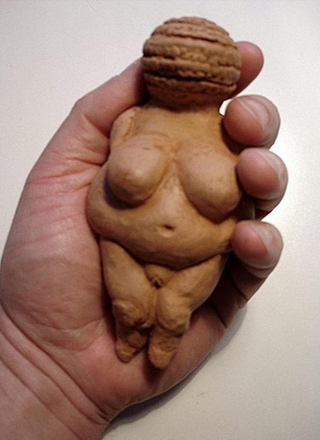 Modelado en barro de Dama Prehistórica