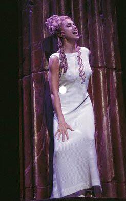 """Columnas para Teatro Musical """"La Bella Helena (Ana Belén - José Carlos Plaza)"""""""