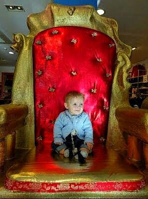 Trono para Rey Mago, para tienda de ropa de niños, Torrejón de Ardoz