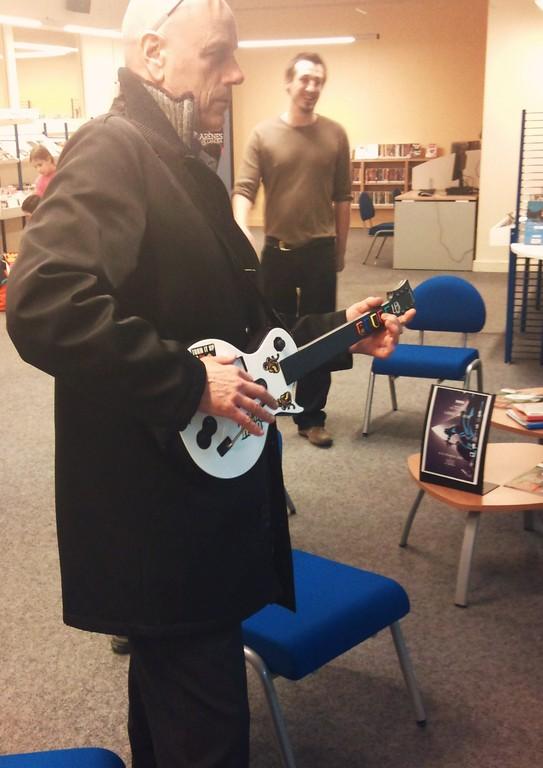 Jeu Guitar Hero - avec les étudiants de l'ENSIIE