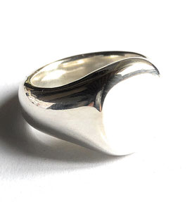 Signet Ring Clean