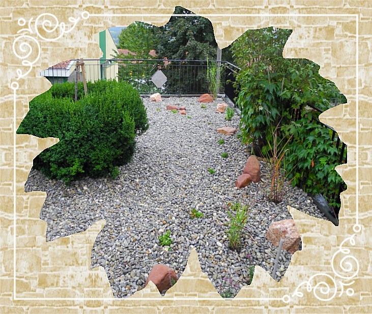 Kiesgarten mit Mainsandstein-Findlingen