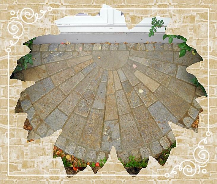 Sonnengruß-Eingang/Pflasterarbeit aus Muschelkalk