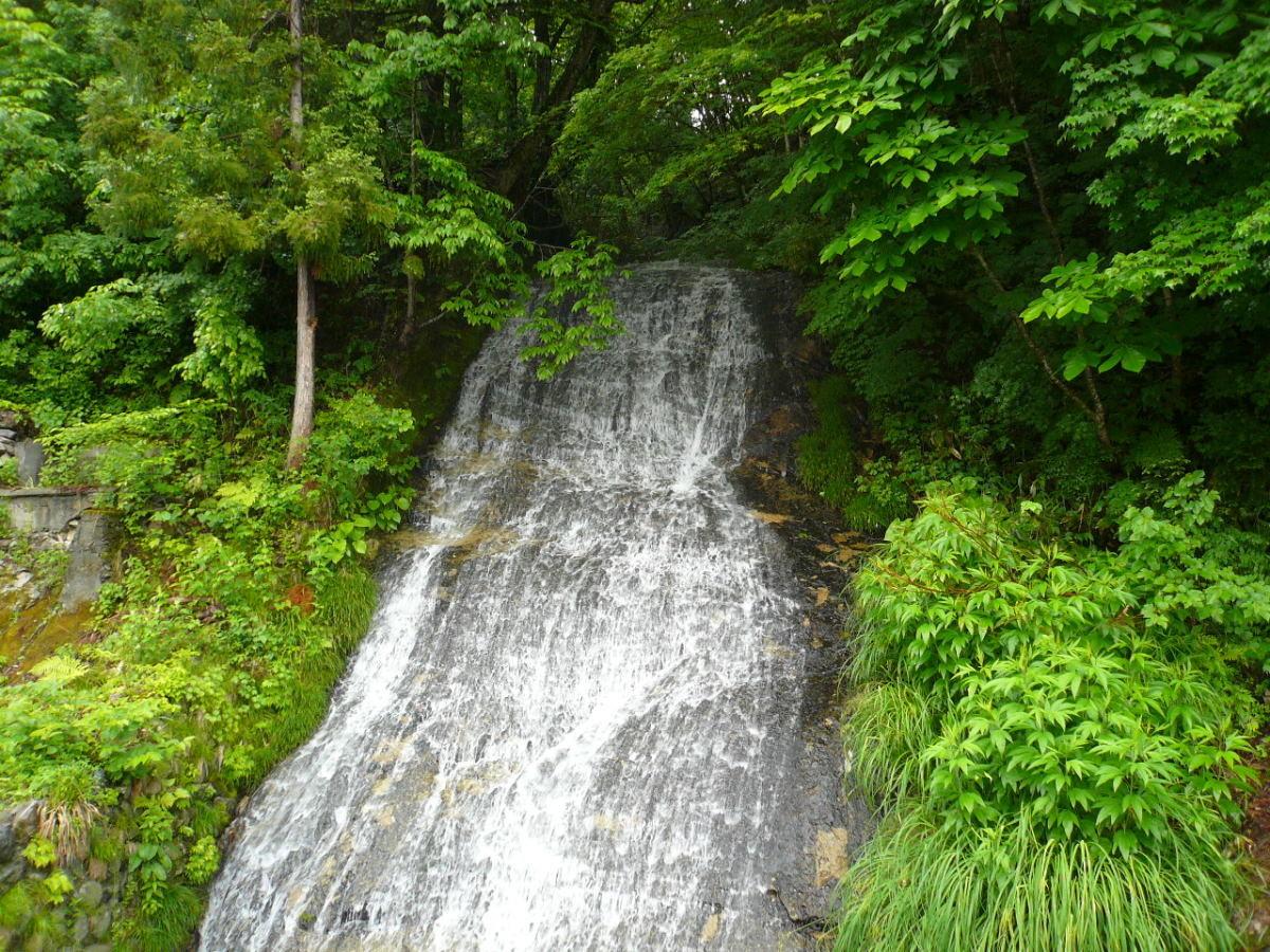 湯ノ花温泉 白糸の滝