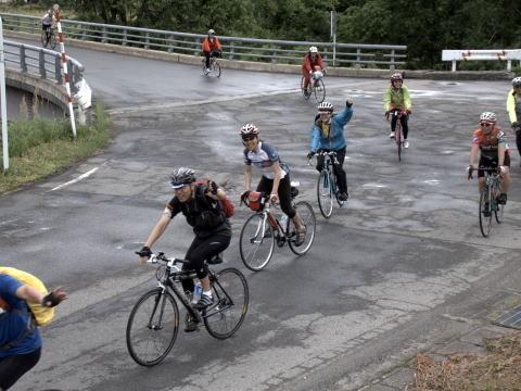 雨に降られず 伊南川沿いのサイクリング もう少しで ランチタイムです