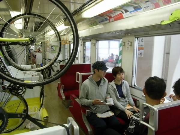2 電車に乗ってもなかなか動きません