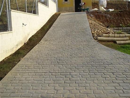 Pavimento para patios en Alicante.