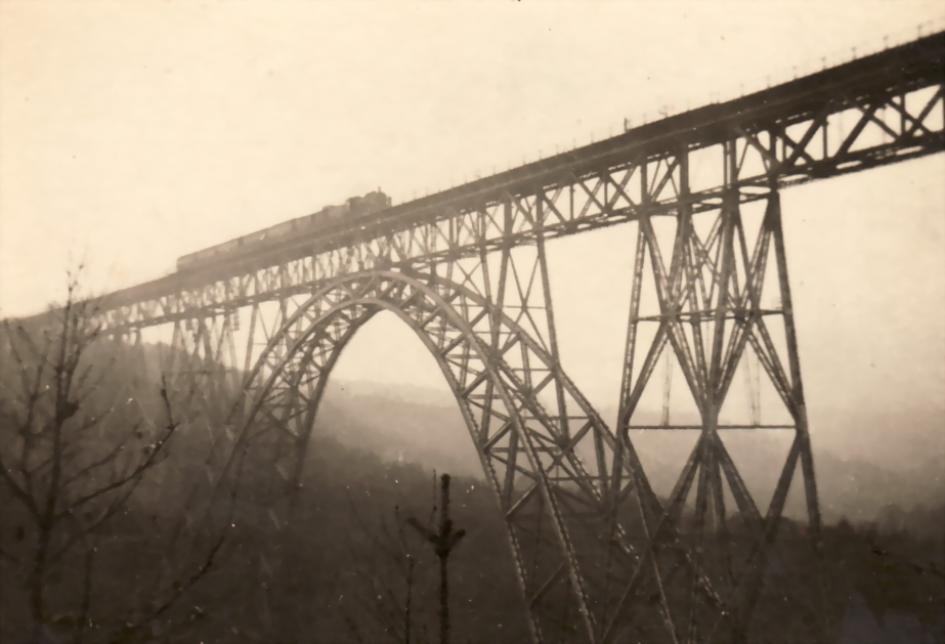 Die Müngstener Brücke über die Wupper, um 1930