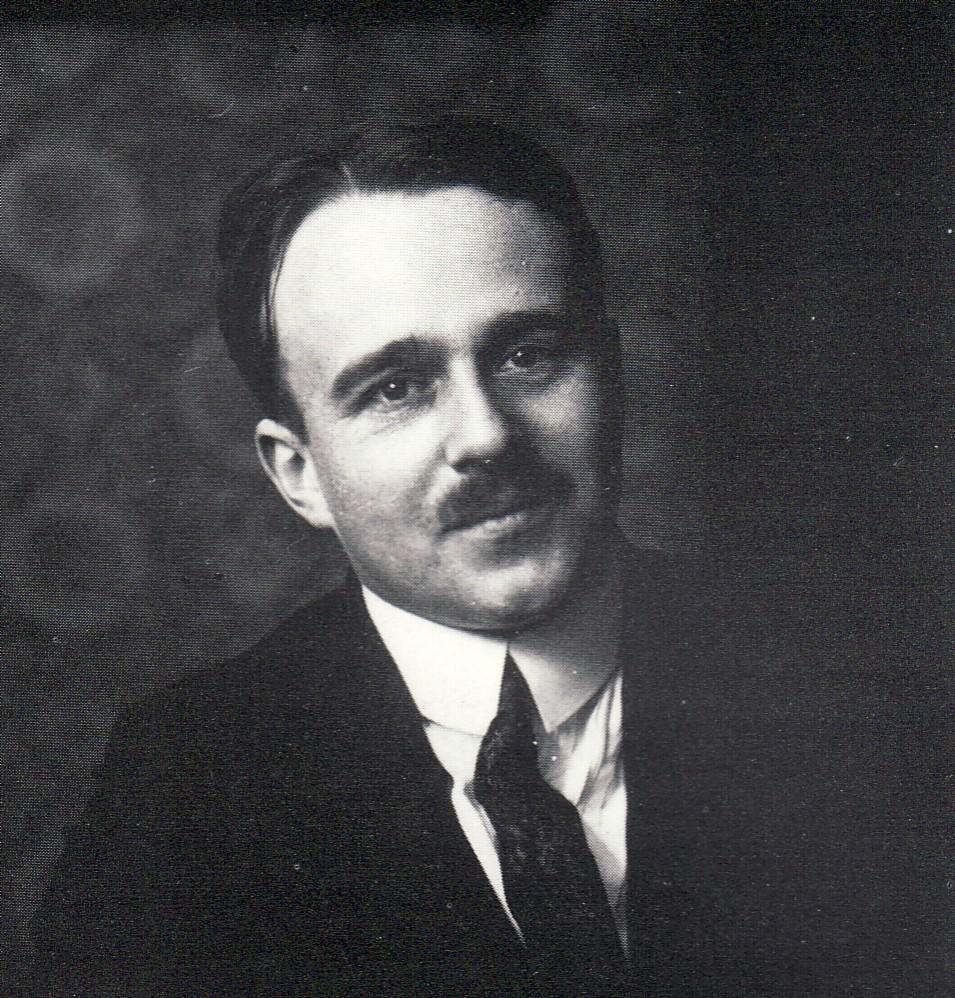 Erwin Bowien bei der Vernissage seiner Ausstellung im Saal der Solinger Kasinogesellschaft im Jahr 1929