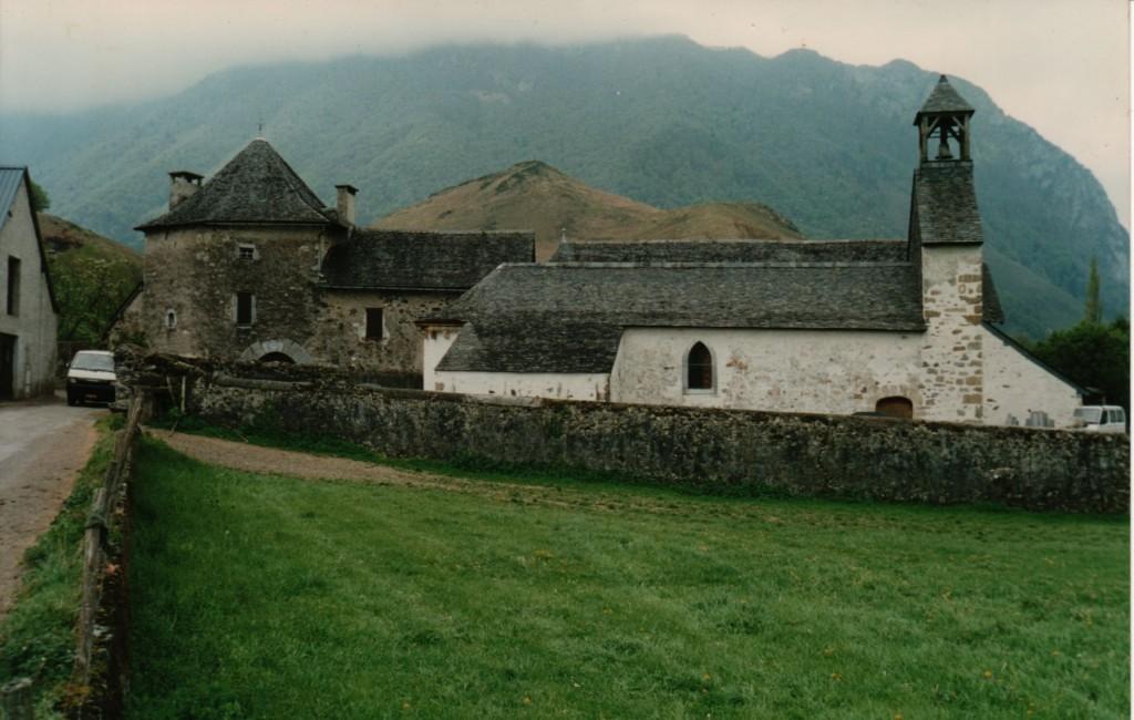 Jouers, Chapelle et Abbaye laïque