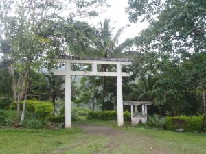 日本人兵士の慰霊碑(ドゥマゲッティ近郊の山)