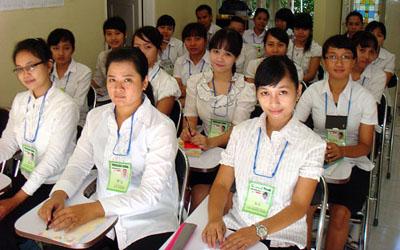 研修中の外国人介護士候補生:夢と不安を胸に