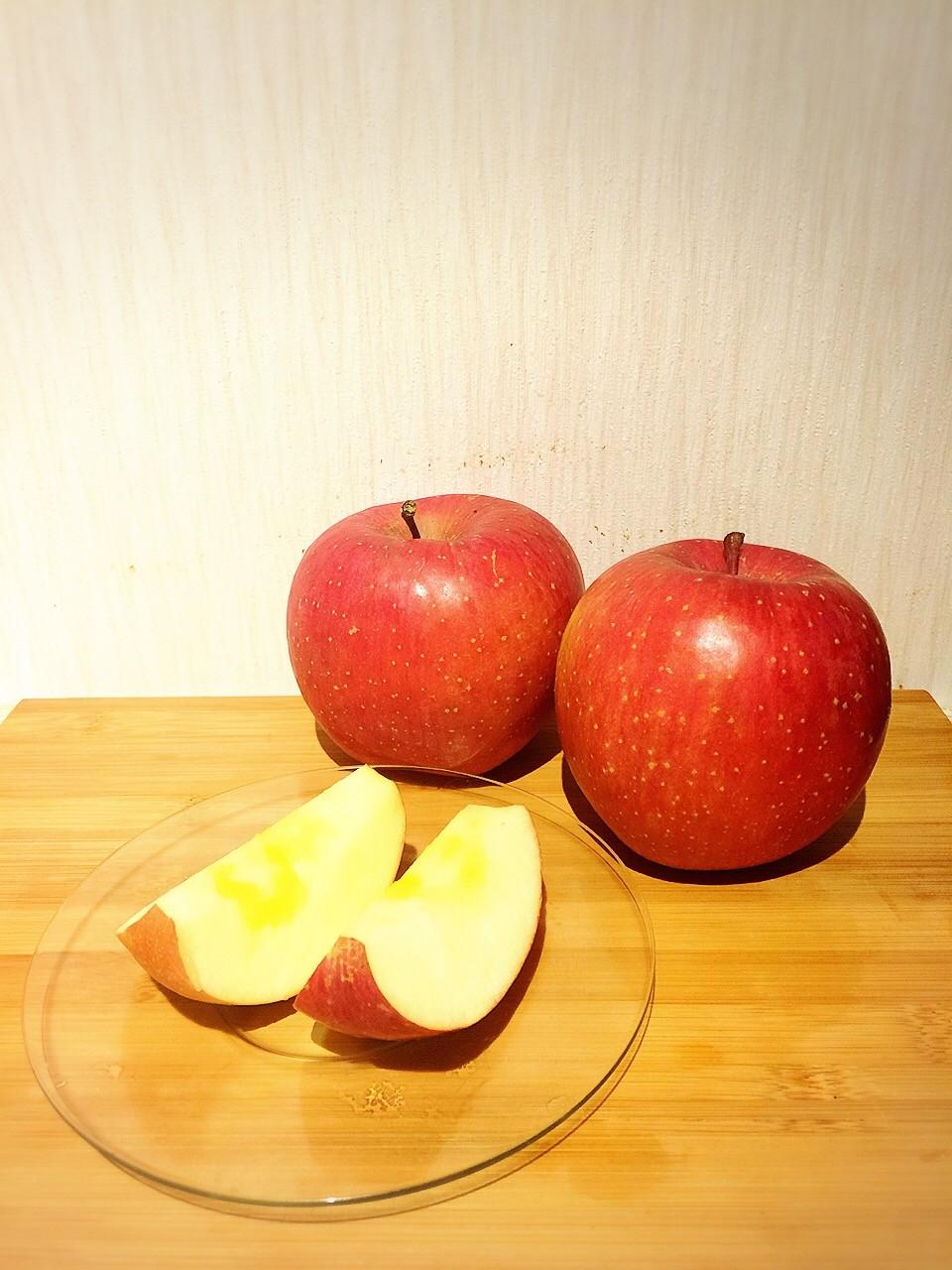 蜜がたっぷりで甘くて美味しいリンゴ♪