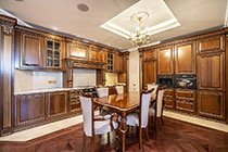 ID A327 Большой Тишинский пер 10 - трехкомнатная квартира в аренду.