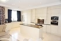 ID A391 Мосфильмовская дом 70 к 1 - трехкомнатная квартира в аренду.