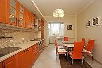 ID A342 Троицкая ул., дом 9к1 трехкомнатная квартира в аренду  на длительный срок